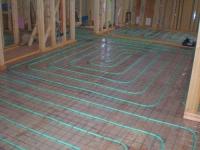 床暖房の配管.JPG